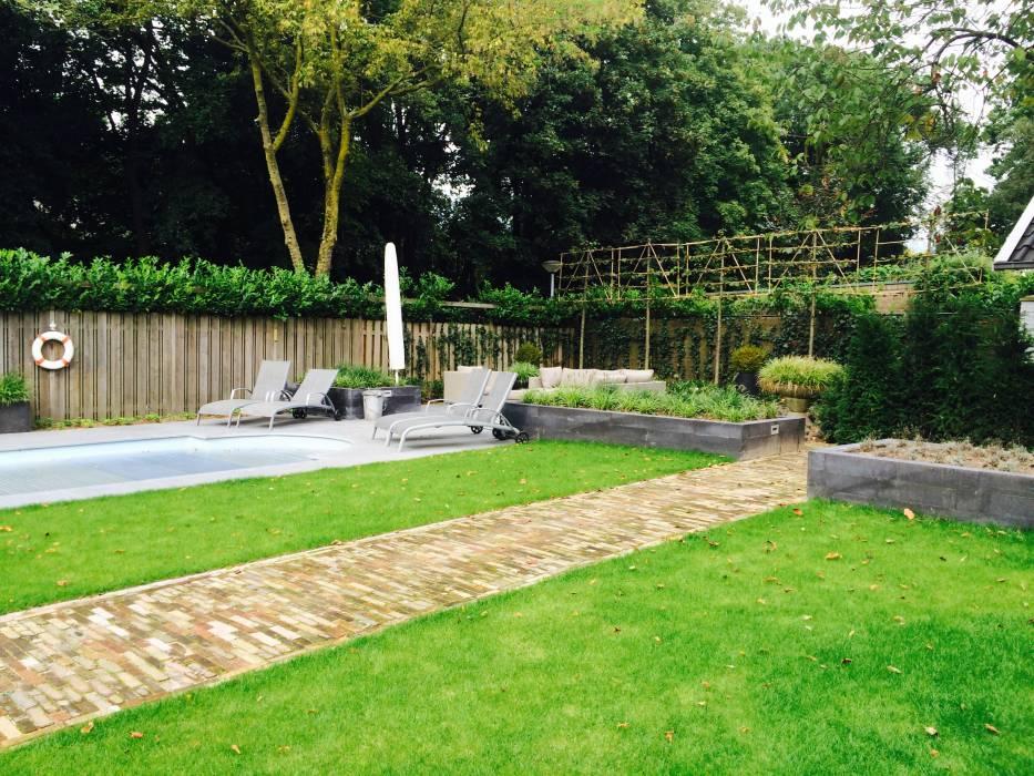 Familie lounge tuin met zwembad projecten rieter for Huis in de tuin